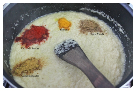 Add spices to onion paste